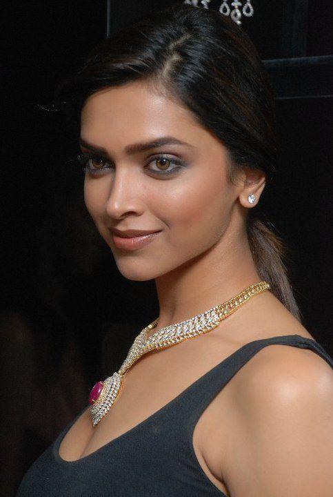 Deepika Padukone wearing jewellery from Gehna