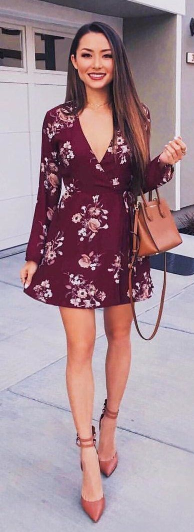 #spring #outfits red and white floral deep v-neck long-sleeved mini dress. Pic by @hapatime