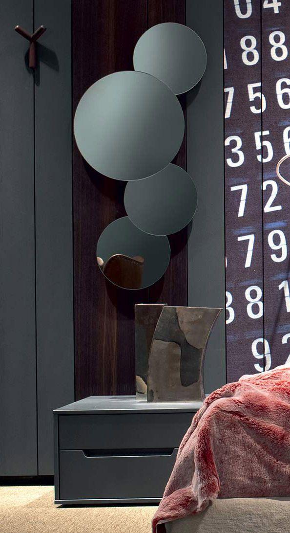 Specchiera Nuvola per Stripes Boiserie di Zanette. Per saperne di più: http://blog.zanette.it/it/2013/07/un-mondo-di-accessori-e-finiture-per-stripes-boiserie-la-fantasia-entra-in-camera-da-letto-e-non-solo/ #arredamento #arredamentozonanotte #mobili #cameredaletto