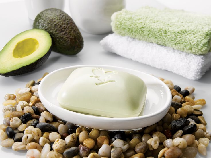 Made with 100% pure avocado butter,  enjoy the cleansing and moisturising properties of avocado in the rejuvenating Avocado Face & Body Soap, ideal for all  skin types. Avocado is a rich source of vitamins.