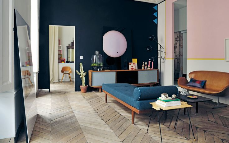 Home of Jean-Christophe Aumas, Design by Jean-Christophe Aumas, Photography: Helenio Barbetta, Didier Delmas, from The Chamber of Curiosity,Copyright Gestalten 2014.