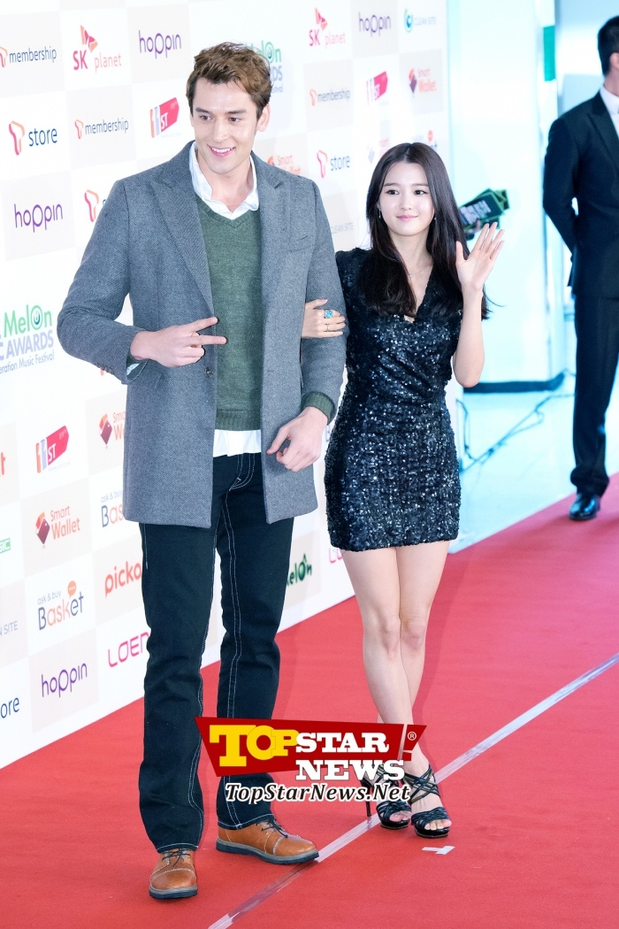Julien Kang-Nam Bo Ra, 'Entering with a reliable escort'… Red carpet of the 2012 Melon Music Awards [KPOP PHOTO]