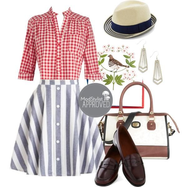 Gingham prints remind us fondly of picnics in the park! <3 #ootd