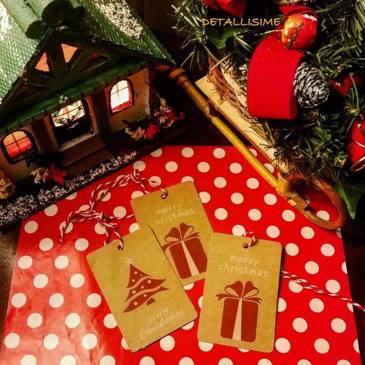 etiquetas de Navidad en dos modelos. Incluye el cordón pedidos y catálogo: detallisime@yahoo.es