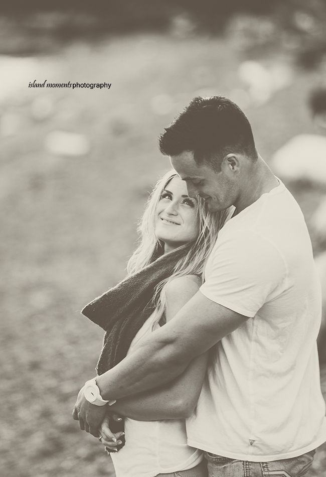 Vancouver Island Family / Couples Photography / Couple Photos / Island Moments Photography / Engagement Photos /