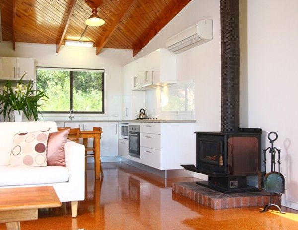 Glen Tara Cottage at Johanna Seaside Cottages Australia. If you are planning to visit Australia you should bookmark this place. It is a family owned and operated business with heart and soul that will connect you with the true beauty of Australia.
