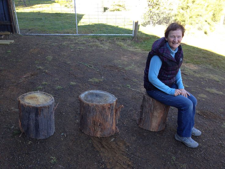 2 stumps for table Act 1 and 1 stump for Prompt side Act 1.