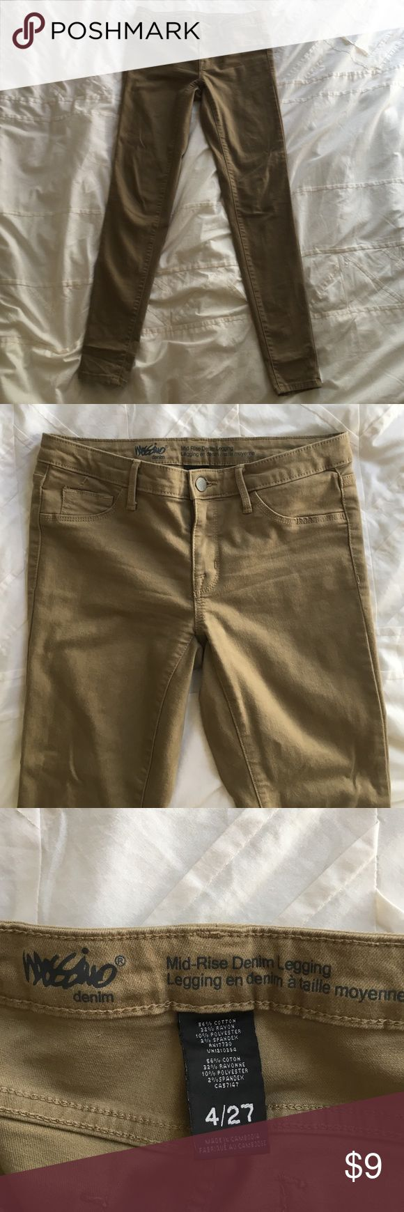 Tan jeans stretchy Comfortable stretchy tan jeans from target worn just a few times straight leg Jeans Skinny