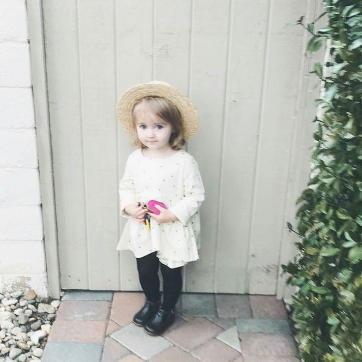 A rainy wintery not very summery Sunday here  ...but on a positive note how sweet is this image by @zoeeatplay   #happysunday #acornkids #kidshats #hats #sunhats