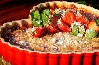 Zweedse rabarbertaart met aardbeien mogen we met recht een Scandinavische delicatesse noemen, dit recept is in al zijn eenvoud toch zeer verfijnd en d...