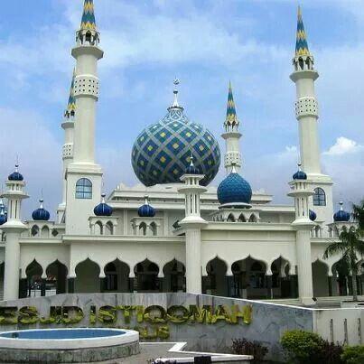 Masjid Istiqomah in Indonesia.