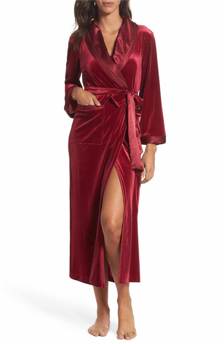 Main Image - Oscar de la Renta Sleepwear Long Velvet Robe