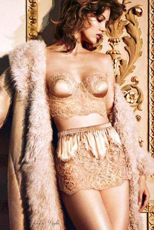 champagne lingerie