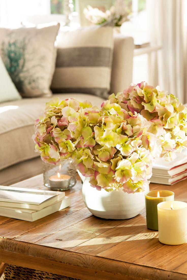Las 25 mejores ideas sobre centros de mesa de hortensia - Decorar una mesa de centro ...
