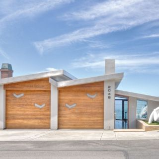 168 Emerald Bay, Laguna Beach : HÔM Sothebyu0027s International Realty. Modern Garage  DoorsExterior ...