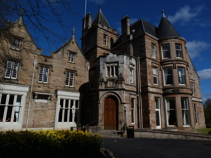 Eastwood House Giffnock East Renfrewshire On A Spring Morning
