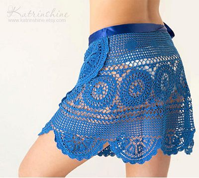 Fuente: https://www.etsy.com/listing/183103856/crochet-beach-wrap-blue-hand-died-skirt?ref=related-2