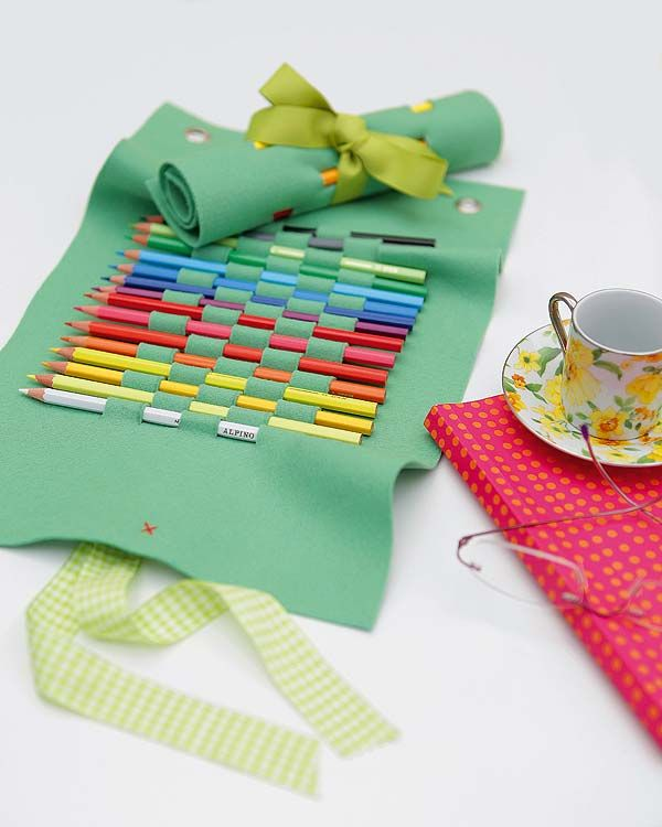 DIY: pencil case roll up... Good goodie bag idea for an art