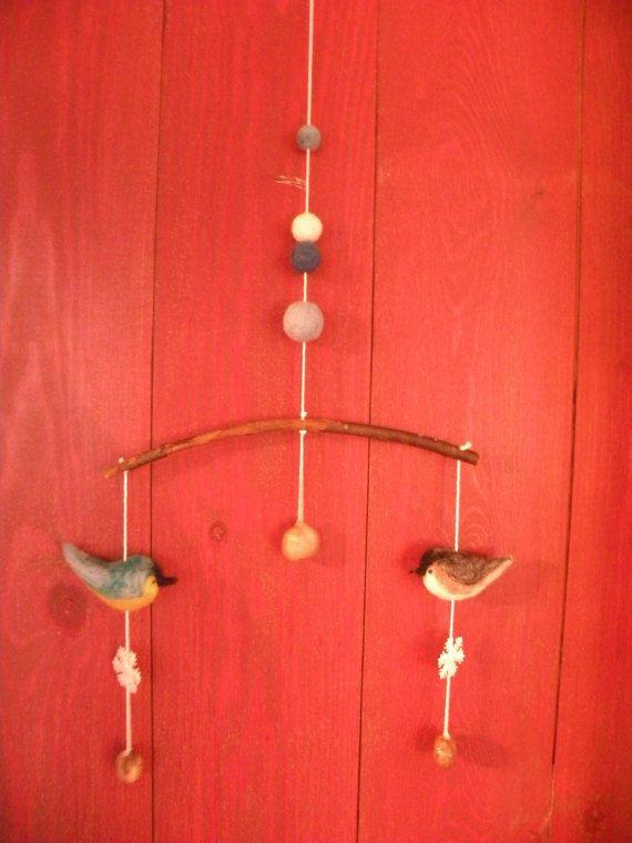 Mobile Oiseaux d'hiver  Winter bird Mobile par LeilaLandCreations