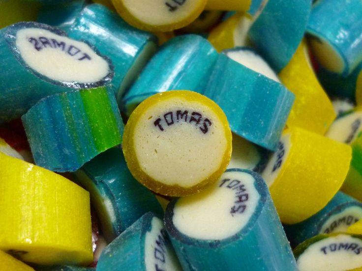 Caramelos artesanal personalizado con el nombre de Tomás. #CaramelosArtesanalesPersonalizados