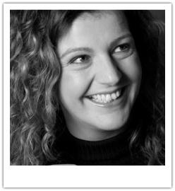Corinne Keijzer is vanaf de Commodore 64 verslaafd aan de pc en vanaf begin jaren 90 aan internet en nu niet meer weg te krijgen van de Social Media. Ze houdt zich al een aantal jaren dagelijks bezig met het bepalen van social media strategie voor zowel grote als kleine bedrijven, coaching en training van werknemers en begeleiding bij het opstarten van Webcare. Kennis over Facebook, Linkedin en Twitter deelt ze vooral via haar eigen blogs, Marketingfacts en haar Facebook pagina.