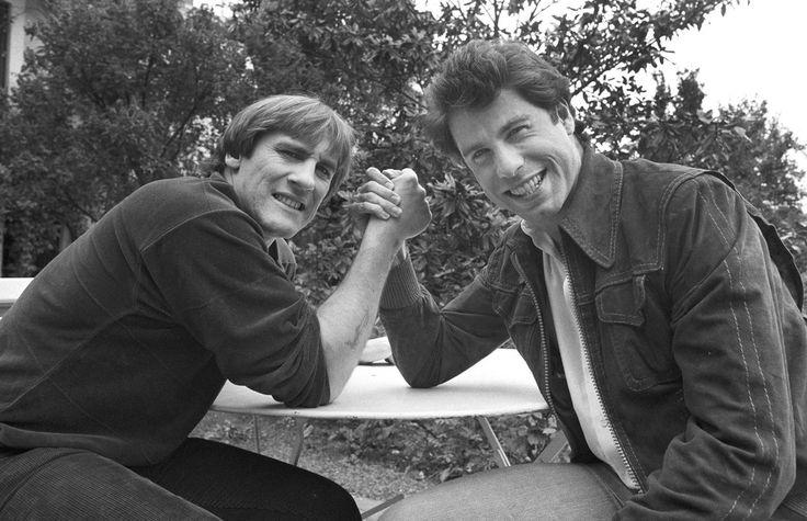 #1981. Le temps d'un week-end John #Travolta rend visite à son ami l'acteur français Gérard #Depardieu dans sa propriété de #Bougival dans les Yvelines. Photo : @JeanClaude.Deutsch /#ParisMatch. by parismatch_vintage