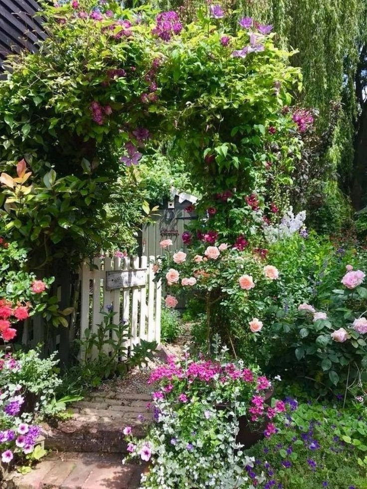 Beautiful Small Cottage Garden Design Ideas For Backyard ...
