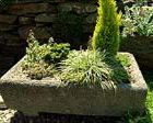 """Homemade """"Antique Stone"""" Planters  These look great!"""