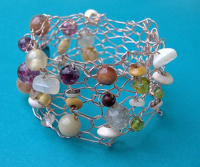 371 best KNITTED AND CROCHETED WIRE JEWELRY images on Pinterest ...