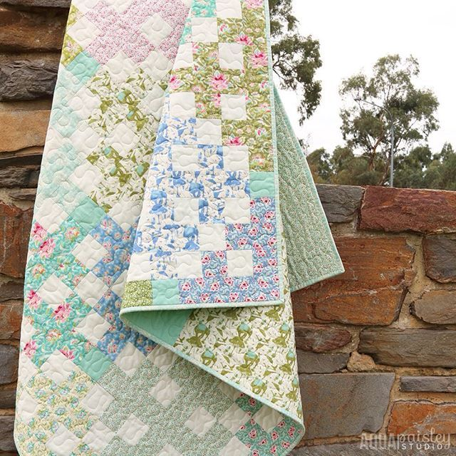 Clear skies to the rescue! FINALLY I have managed to capture a glimpse of how lovely this #tildacircus fabric really is - I am nothing if not determined!  Thank you for all your sweet comments on my post yesterday!! I really love this quilt...