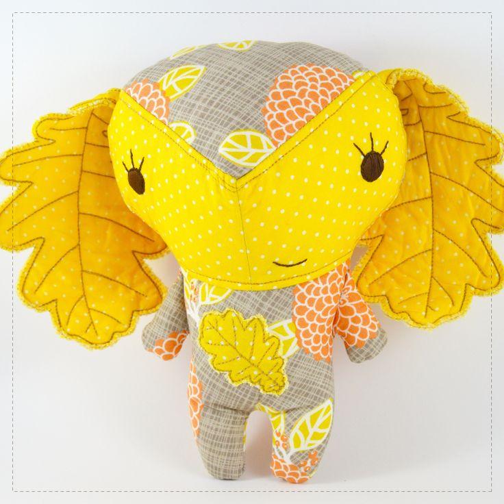 Pretty  Bugalho  stuffed toy for children green by MariaMascarilha