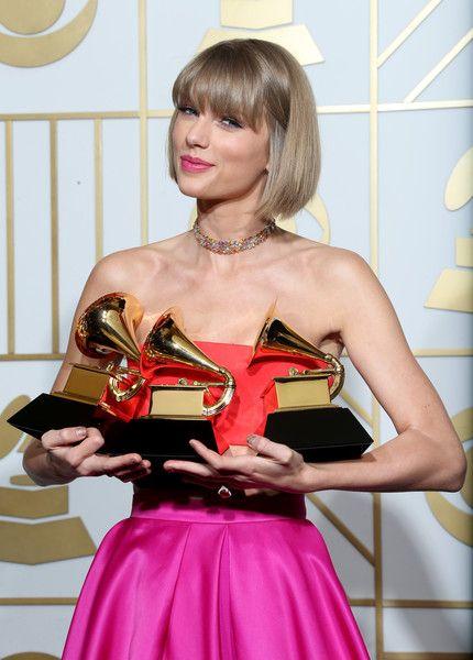 Taylor Swift Photos - The 58th GRAMMY Awards - Press Room - Zimbio
