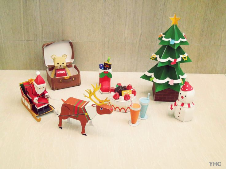 Cute Christmas paper craft! Christmas things and Santa Claus.