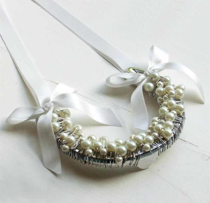 wedding horseshoe  I love this mom