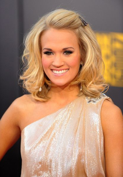 Wedding hair idea minus the bangs being pulled back like that.. I don't like that for some reason: Hair Ideas, Medium Length, Wedding Hair, Half Up, Down Hairstyles, Shorts Hair, Carrie Underwood, Hair Style, Bridesmaid Hairstyles