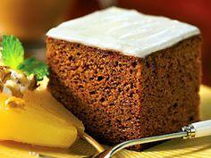 Ontbijtkoek, snijkoek, kruidkoek, peperkoek, honingkoek.,...zelf maken http://www.zelfmaakrecepten.nl/ontbijtkoek/