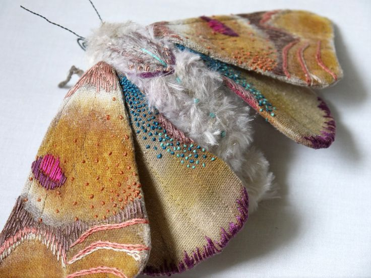 Sculpture textile Large papillon art textile par irohandbags sur Etsy