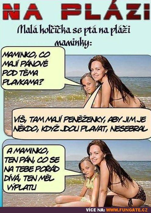Malá holčička se ptá na pláži maminky:
