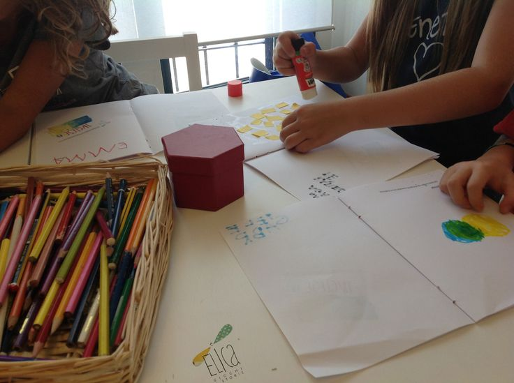 Laboratori per bambini. Creatività. Colori e collage.