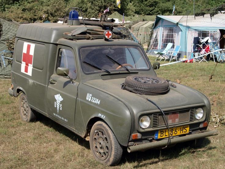 Ambulancia Renault  R4 F4