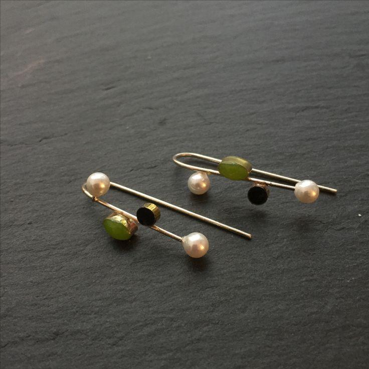 Øreringe med perler og sten