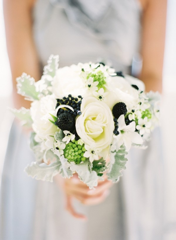 modern black and white bouquet