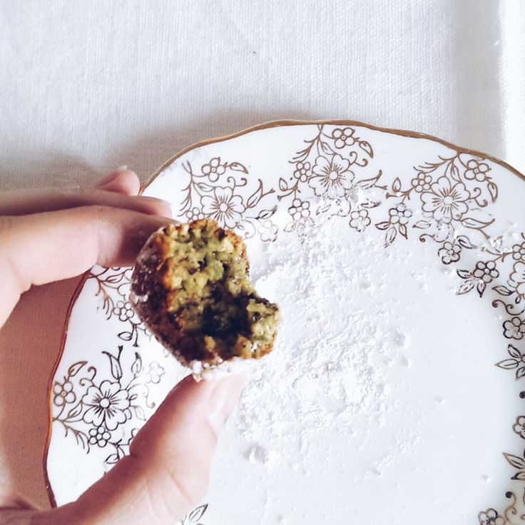 pistachio biscotti | www.tincansandwoodenspoons.com