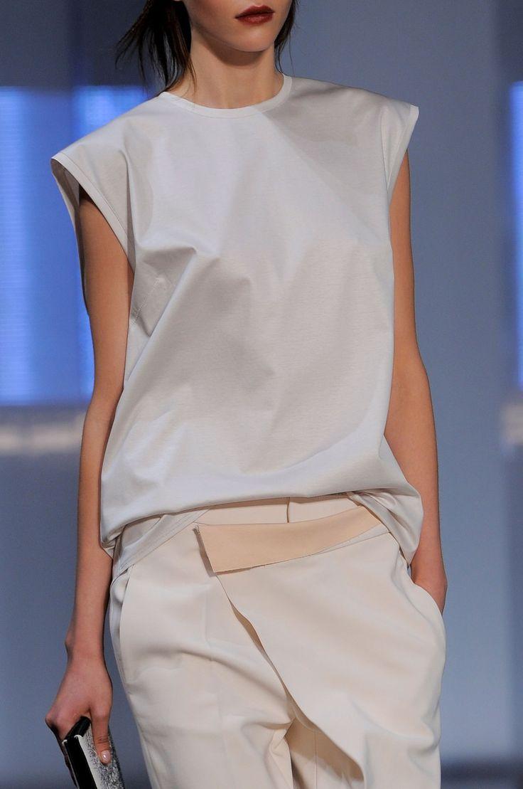 Helmut Lang SS 14 #SS14 #NYFW #helmutlang #fashion #nyfw #fashion #fashionweek #ss14 #runway #model