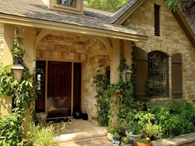 Country french charmer european old world style homes for French country cottages