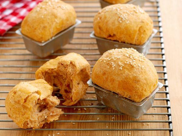 Hartelijke broodjes met een aparte smaak - Libelle Lekker!