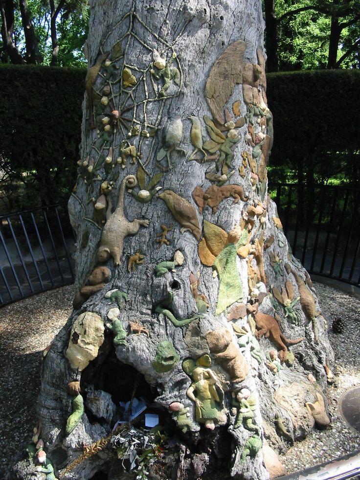 The Fairy Tree. Sculptures 1931-1934 by Ola Cohn. Fitzroy Gardens, Melbourne, Australia.