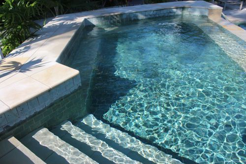 Green sukabumi quartzite pools landscapes pinterest for Piscine miroir guadeloupe