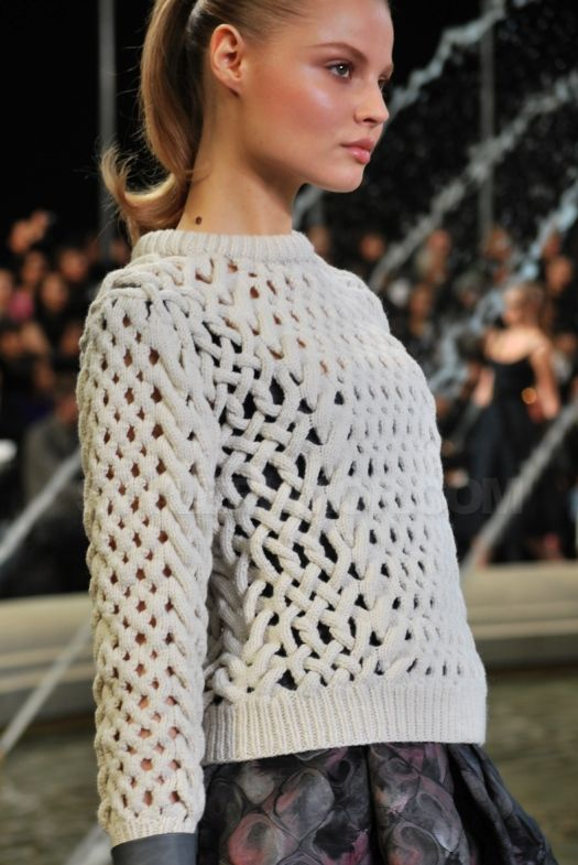 I'd learn to knit if I could ever knit this!  Knit Grandeur: Louis Vuitton FW 2010