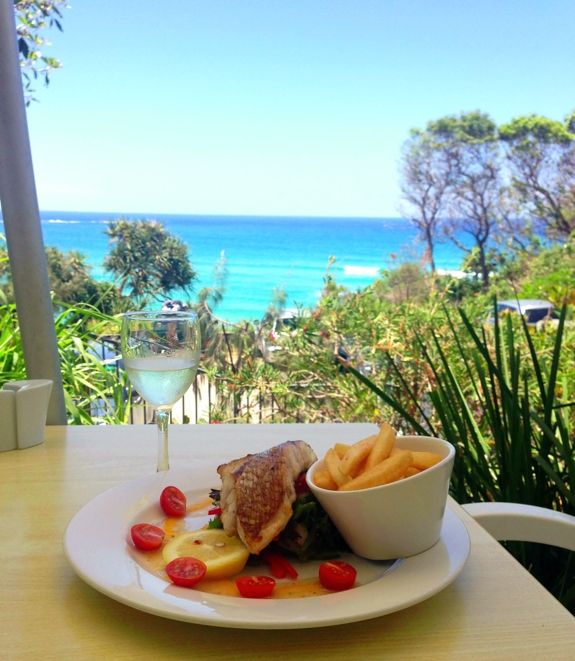 5 Things to do on Straddie | #2: Eat with an ocean view